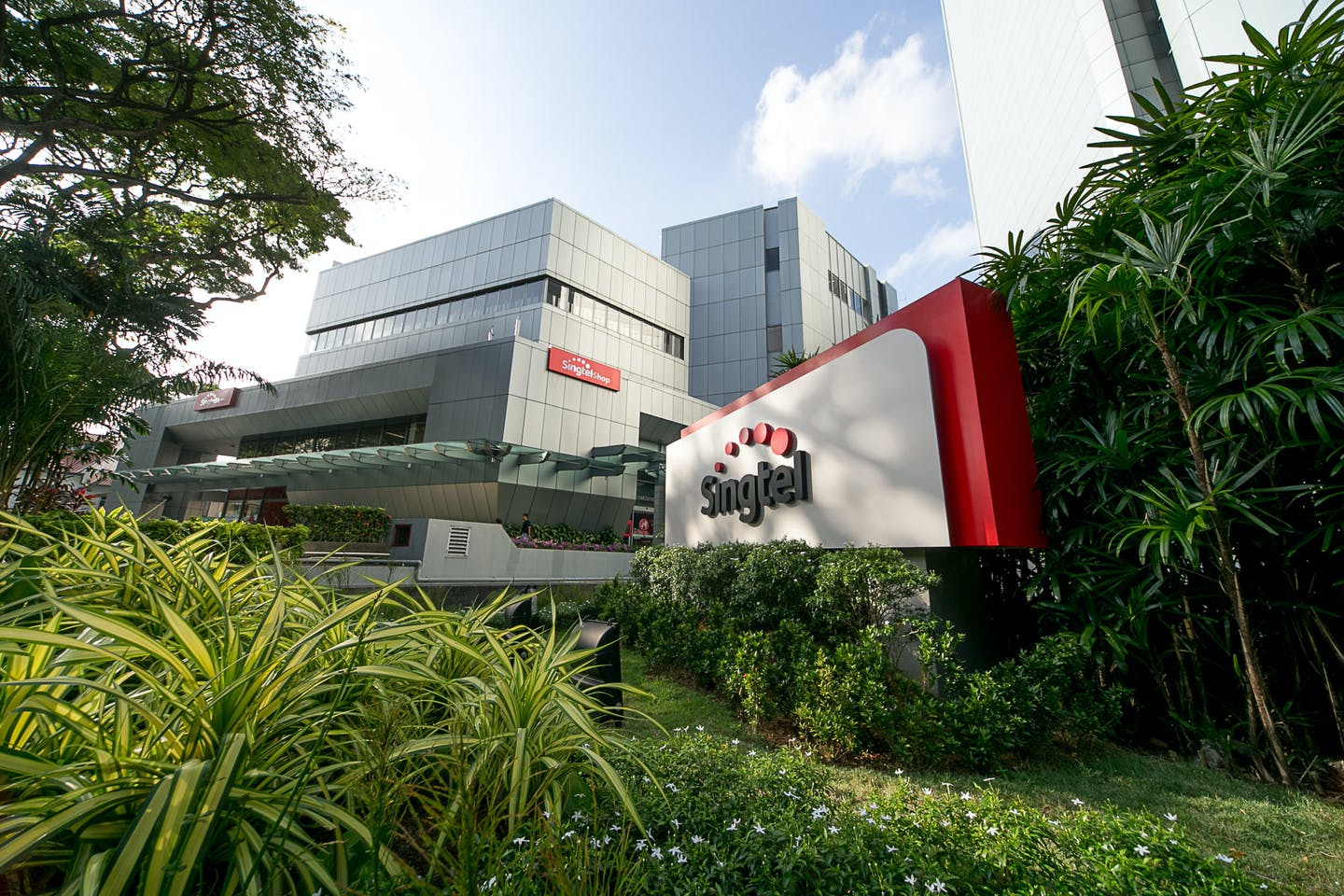 Singtel Group first in Asia ex-Japan to have carbon reduction targets approved by Science Based Targets initiative