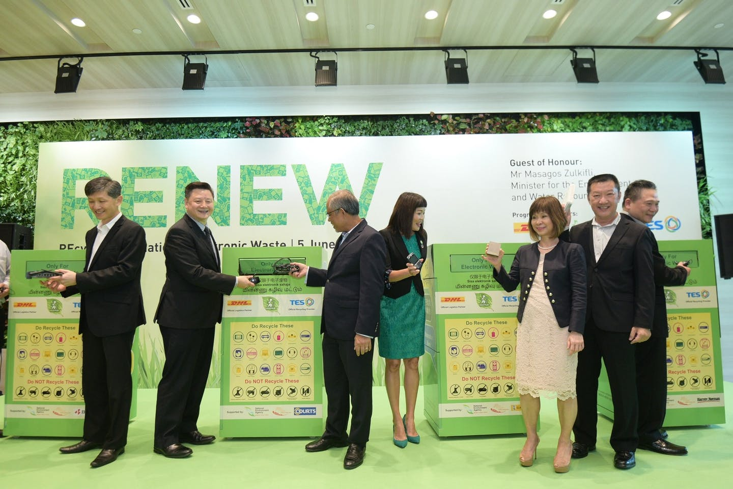 Best Denki, COURTS, Gain City and Harvey Norman to join RENEW and to place e-waste recycling bins in their retail stores