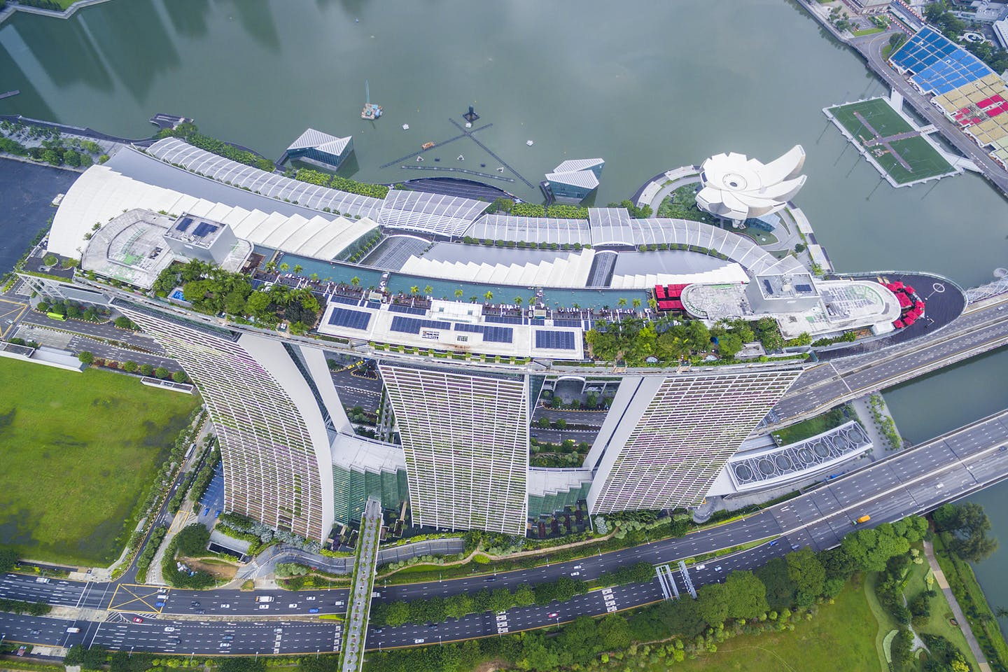 Conergy brings solar power to Marina Bay Sands; reduces carbon footprint