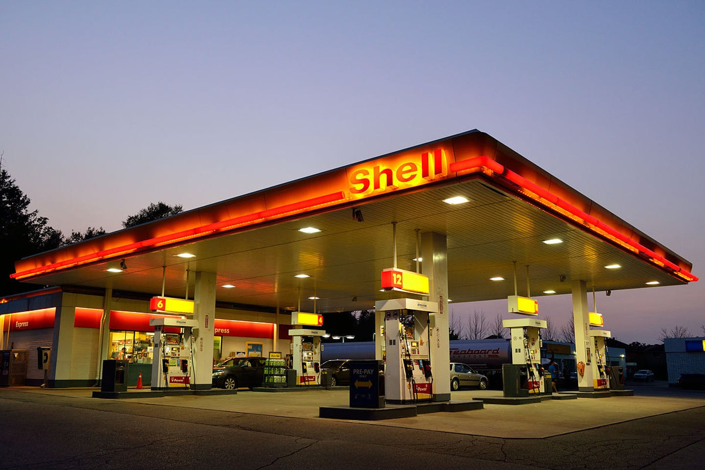 Shell, gas station