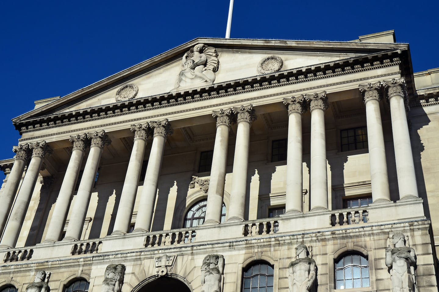 Facade of Bank of England