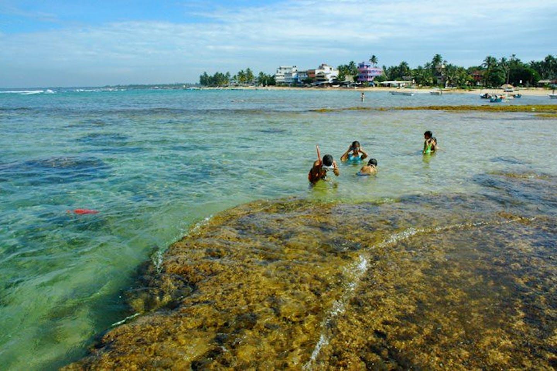 sri lanka beach pollution