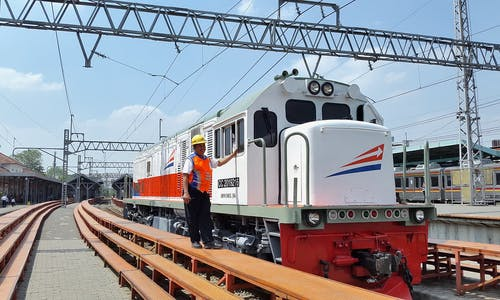 Indonesia invites China as investor for extended high-speed railway