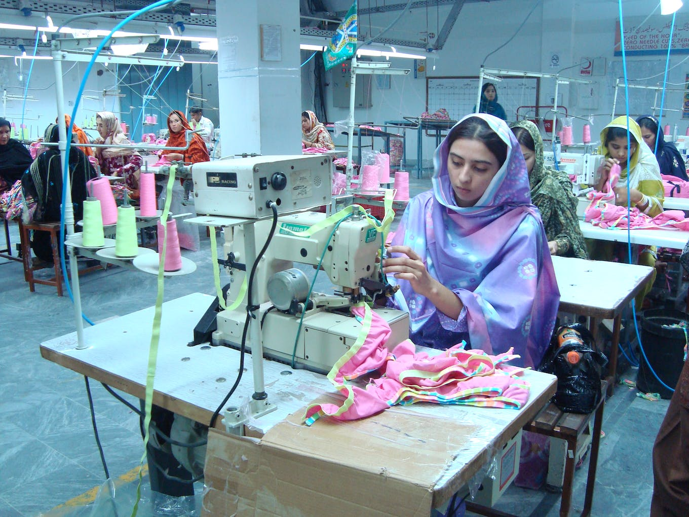 pakistan garment workers