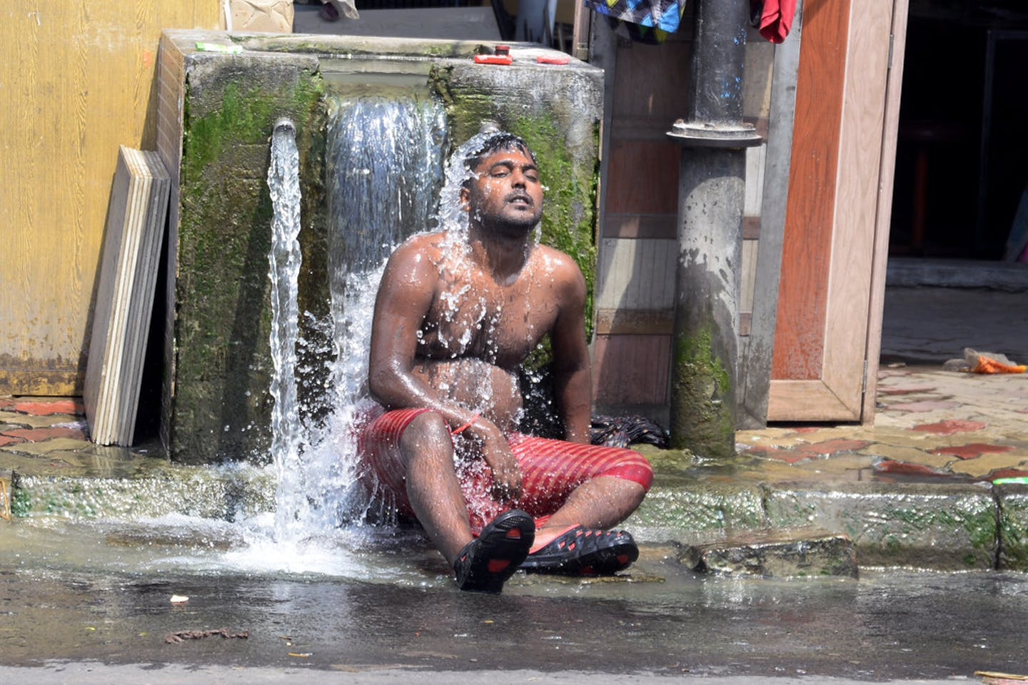 A local man cooling off india