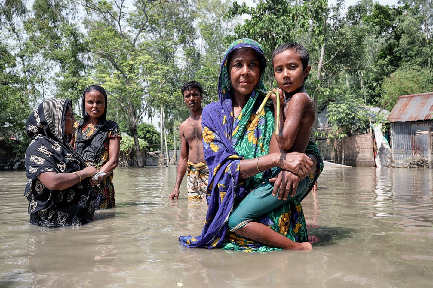 women floods bangladesh