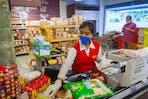 woman cashier coronavirus