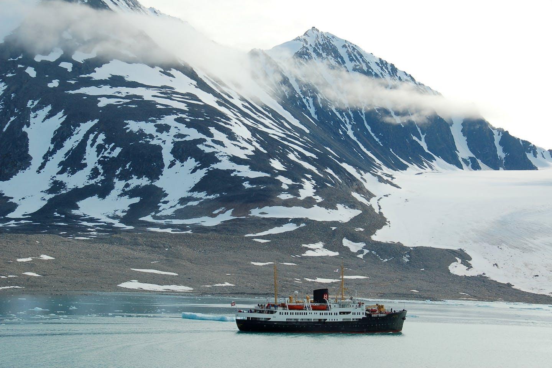 svalbard ship