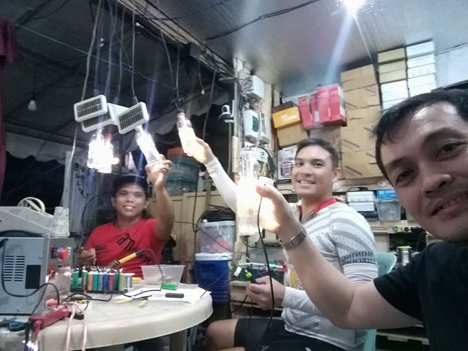 solar lamps volunteers taal