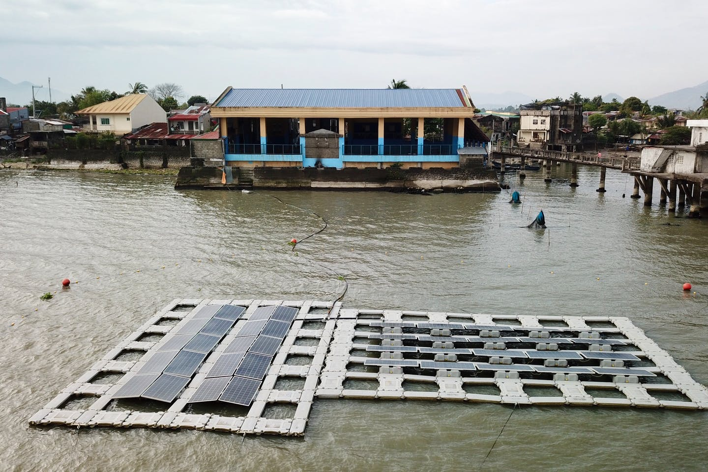 floating solar test bed laguna lake