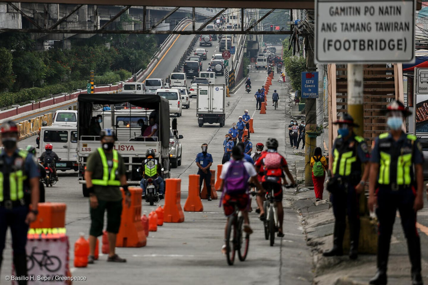 A trial of bicycle lanes on EDSA
