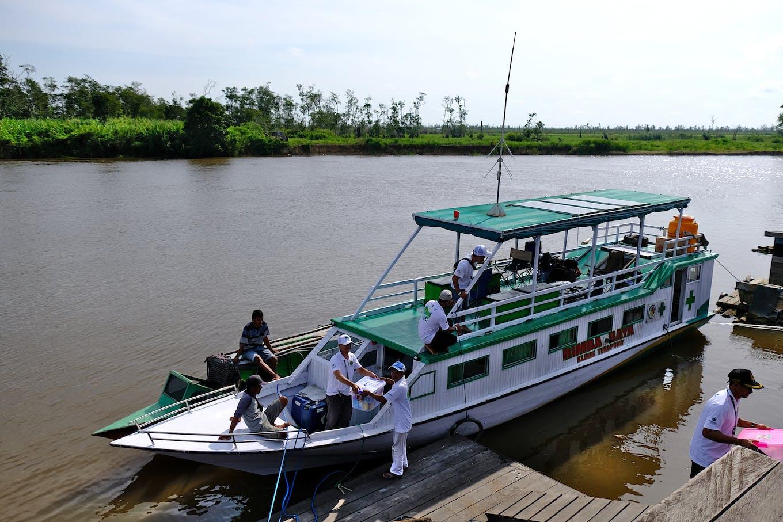 Floating clinic Rimba Raya