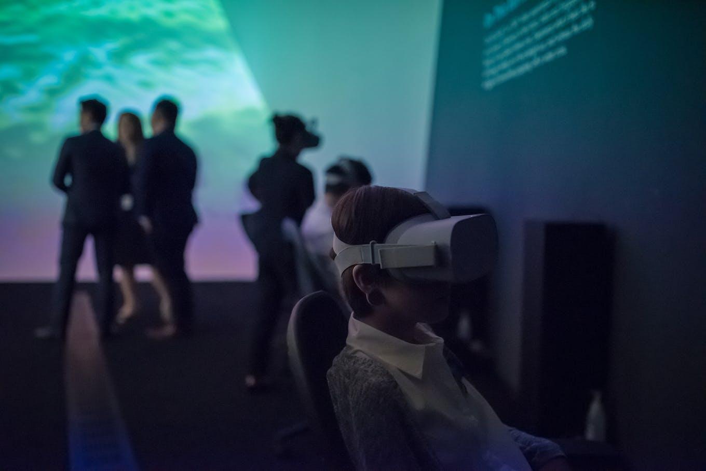 VR arctic awakening