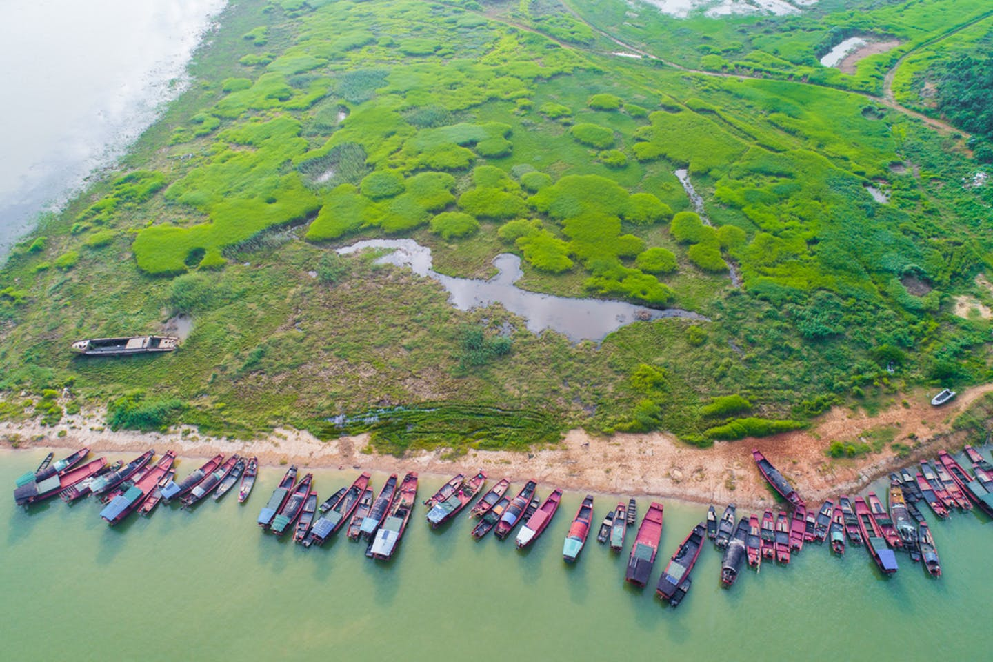 fishing boats poyang lake china