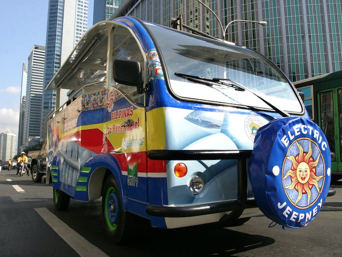 [Tagalog] Colourful electric jeepneys in Makati