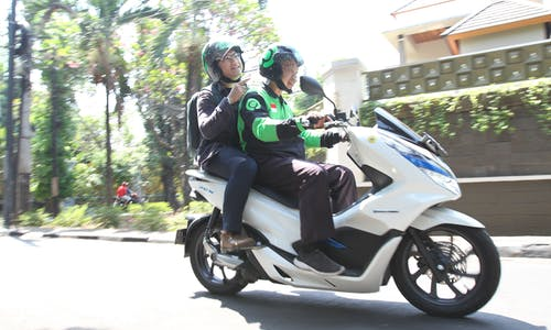 Zero emissions by 2030: How can Gojek get there?