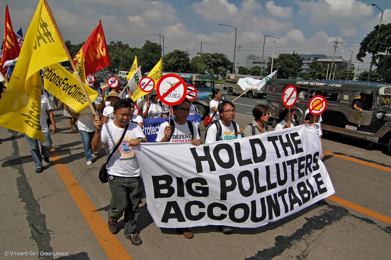 Filipino protesters carbon majors
