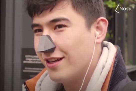 Nosy wearer
