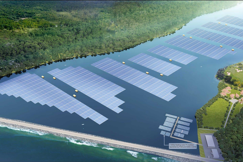 sembcorp tengeh reservoir solar floating farm