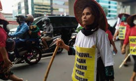 Indonesian farmers walk 1,800-km to protest against evictions