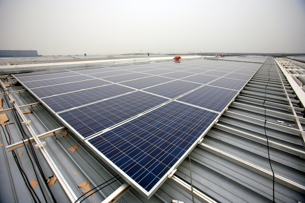 Rooftop solar to roll out on China's public buildings