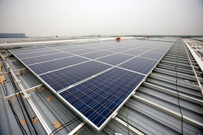 Solar panel installation in Shanghai