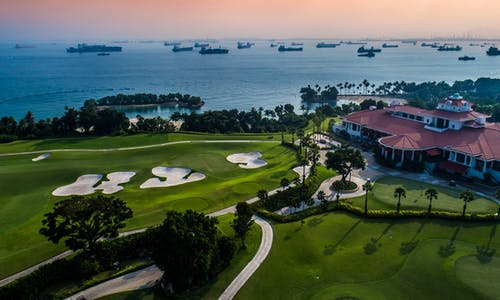 Singapore swings for world's first carbon neutral golf club