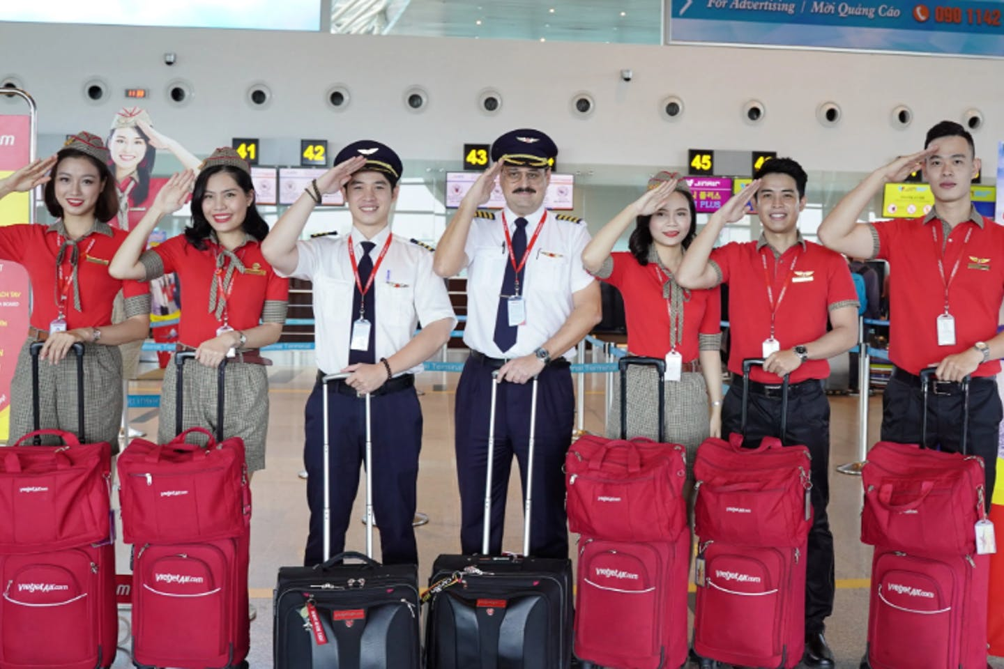 "VietJet's promotion is offering tourists opportunities to ""fly green with Vietjet"". Image: VietJet"
