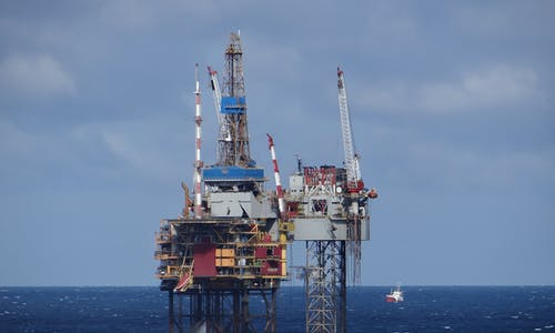 Wind power bids to save the North Sea oil industry