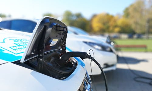 Renewables firm dishes out free EV chargers with solar and energy efficiency projects. Will this propel the energy transition in cities?