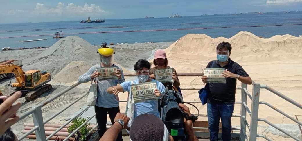 manila bay white sand Nilad