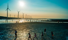 Vietnam approves 7 GW of new wind projects