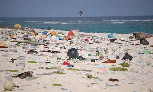 How to reduce plastic and other ocean pollution simultaneously