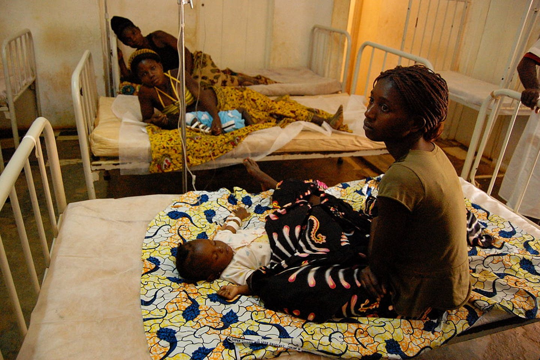 african women in clinics