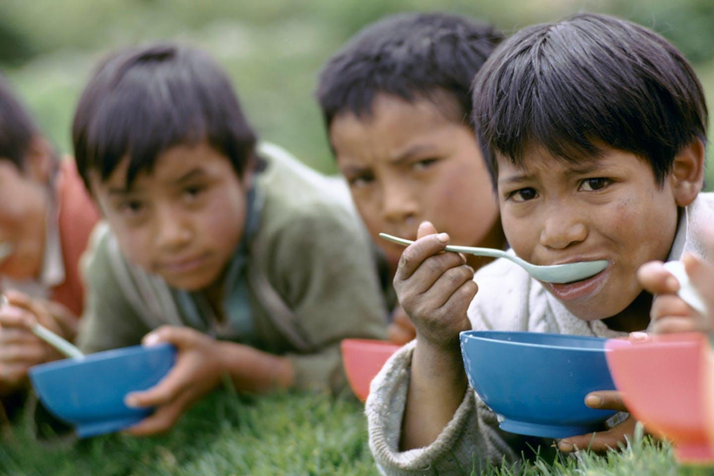 children eating2