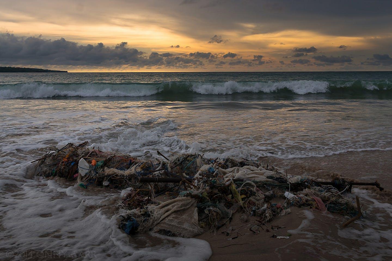 bali beach pollution