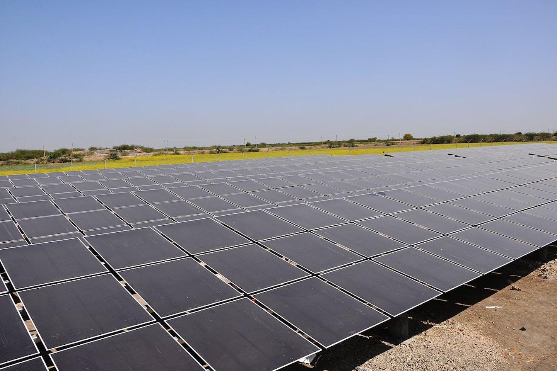 gujarat solar power farm
