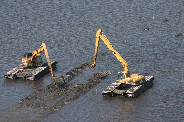 heavy equipment excavator