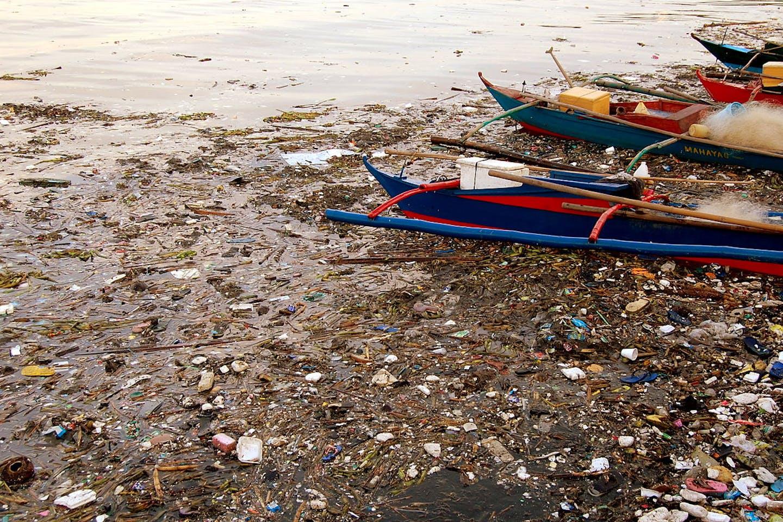 Manila bay waste