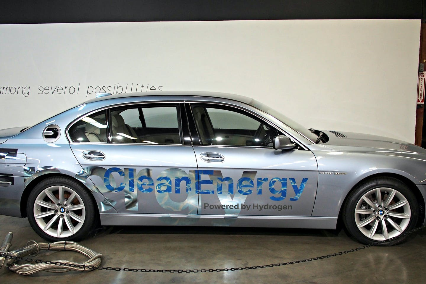hydrogen-powered BMW