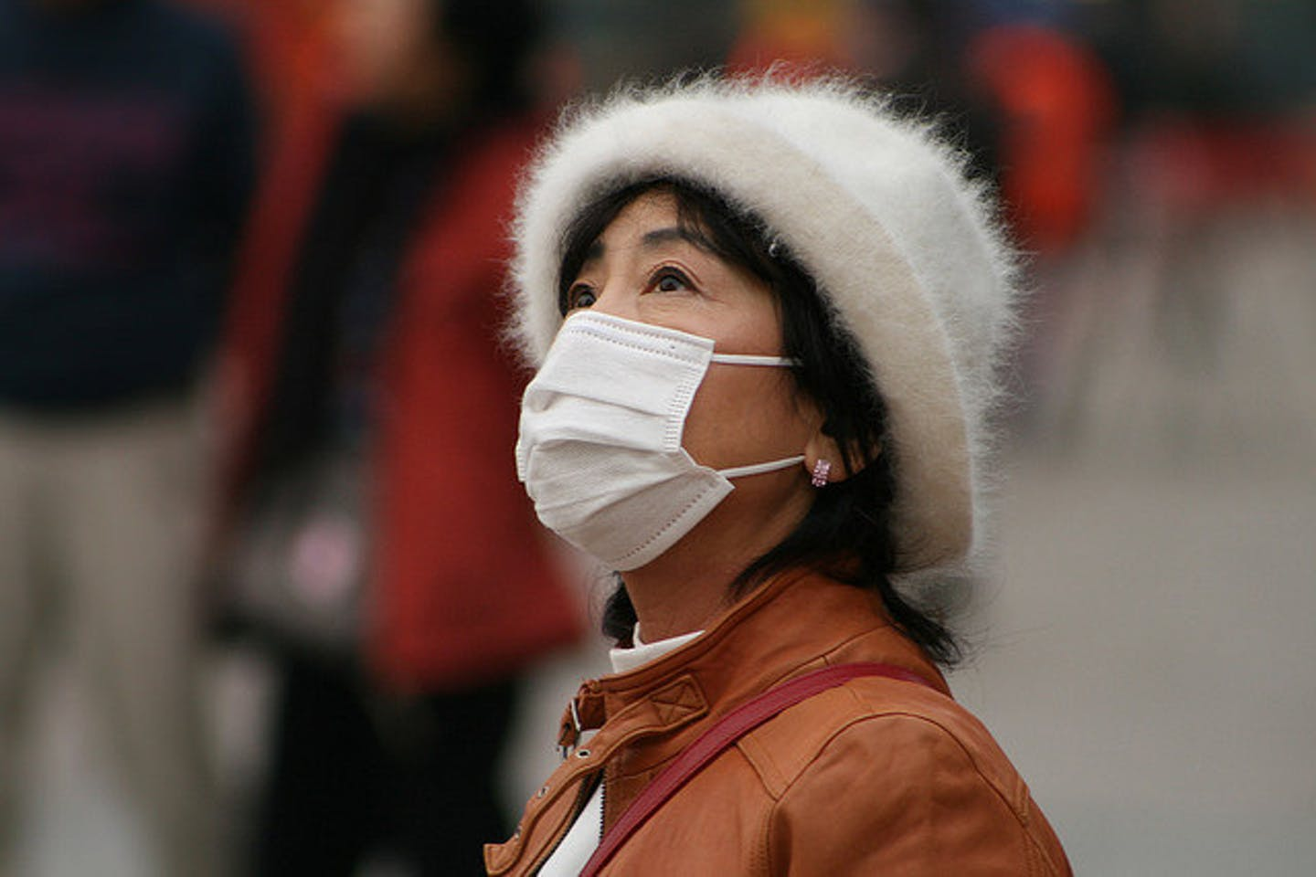 Air pollution and happiness