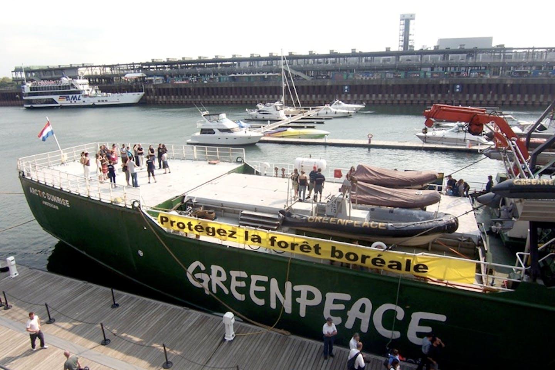 Icebreaker Greenpeace
