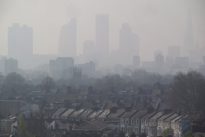 london skyline smog