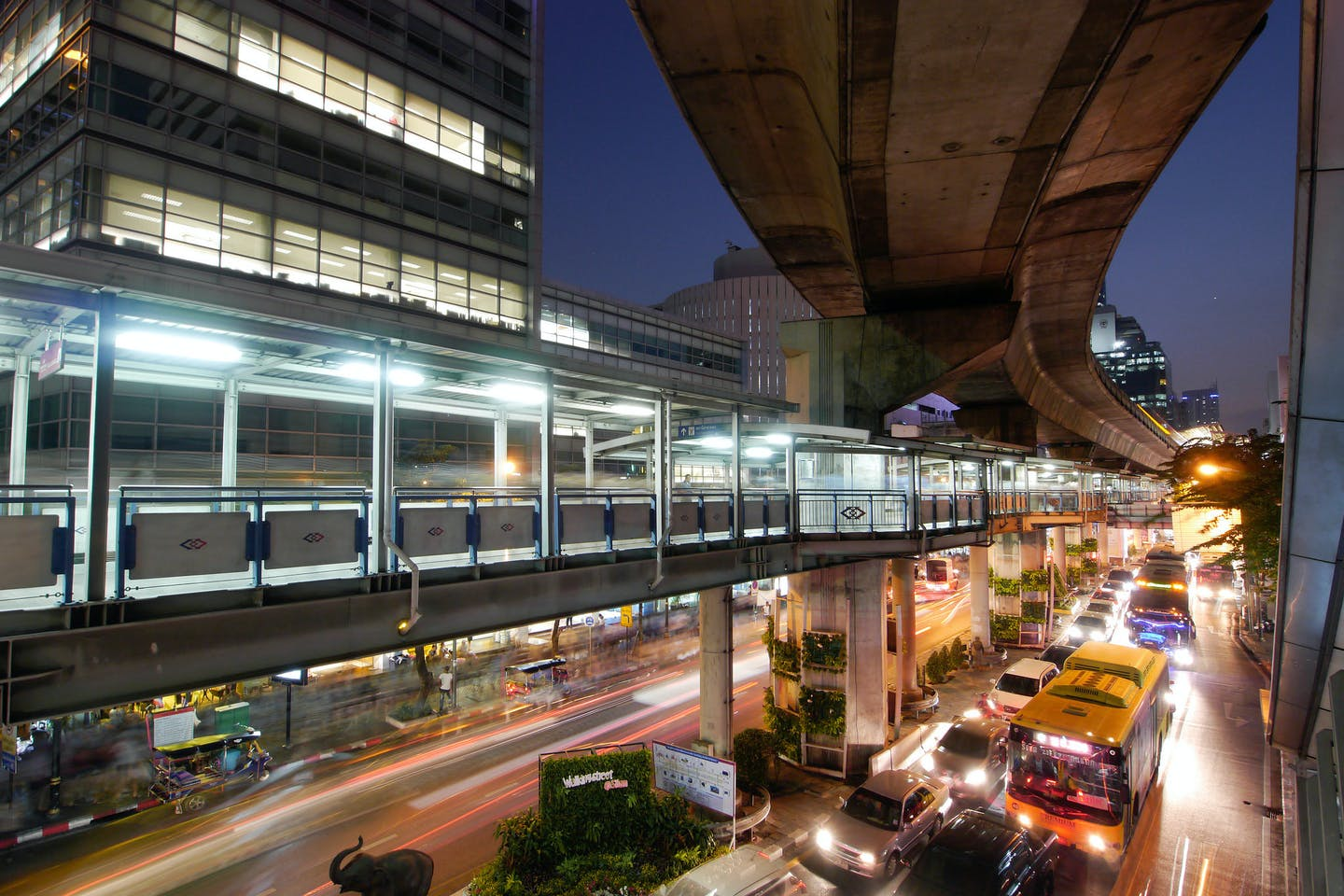 silom intersection bangkok