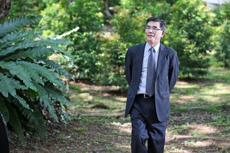 Prof Lam Khee Poh, dean, SDE, NUS
