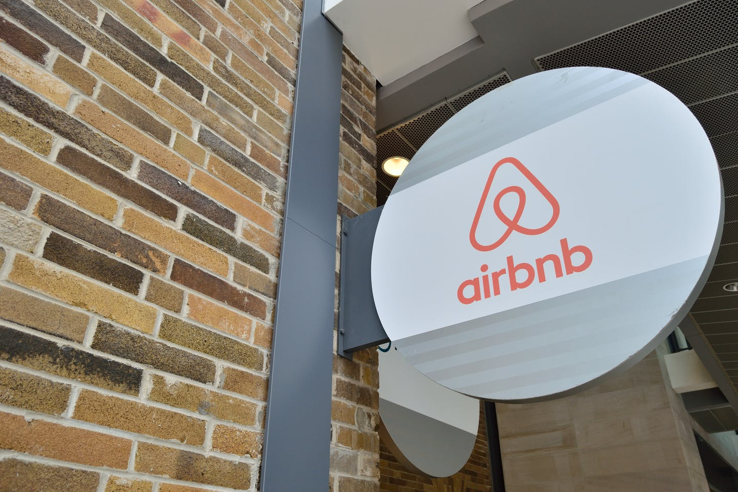 Airbnb office logo