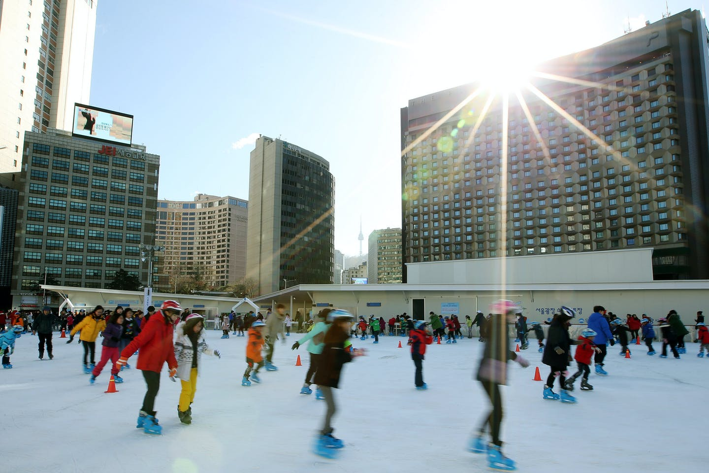 Ice skating in Seoul Plaza