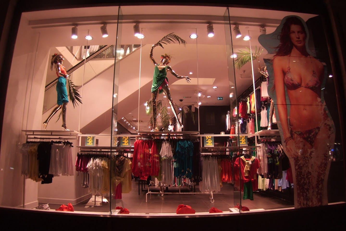An H&M storefront in Oxford Circus, London