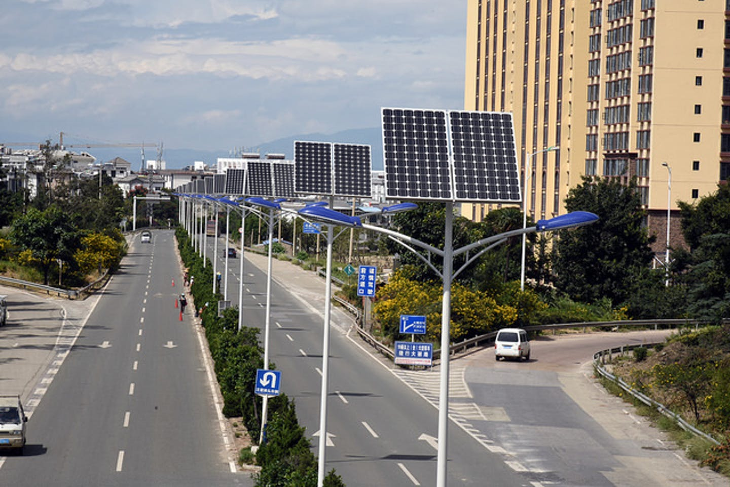 solar powered streetlamps in Yunnan China
