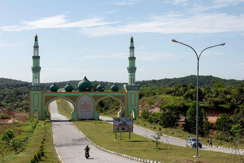Gateway to palm oil plantation Riau Indonesia